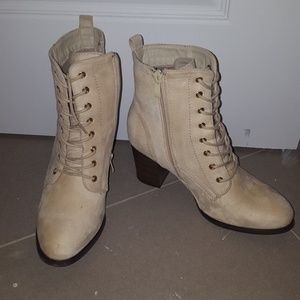 Shoes - Ivory lace up booties